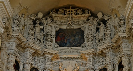 Altar in a baroque church in Lecce -- is there any other kind?
