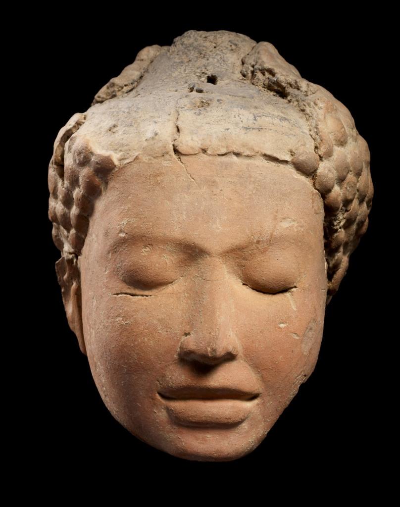 Cat 118_Head of Meditating Buddha_View 1