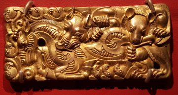 gold belt buckle (2nd-1s C BC)